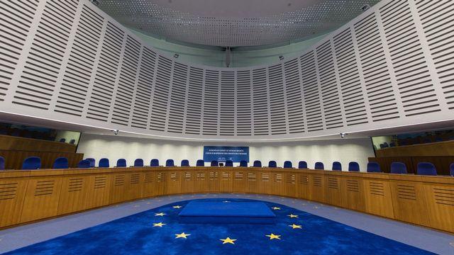 L'intérieur de la Cour européenne des droits de l'homme à Strasbourg. [Patrick Seeger - Keystone]