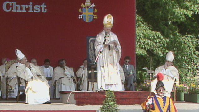 Visite en Suisse du pape Jean-Paul II - messe à la Poya [RTS]