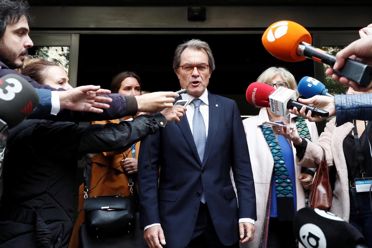 L#039;ex-président catalan Artur Mas condamné à payer 4,9 millions d#039;euros