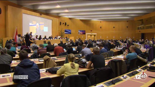 La question des notes de frais débattue au parlement de la Ville de Genève après le récent rapport de la Cour des comptes. [RTS]