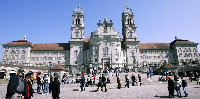 La cinquième étape se terminera sur la Klosterplatz. [Walter Bieri - Keystone]