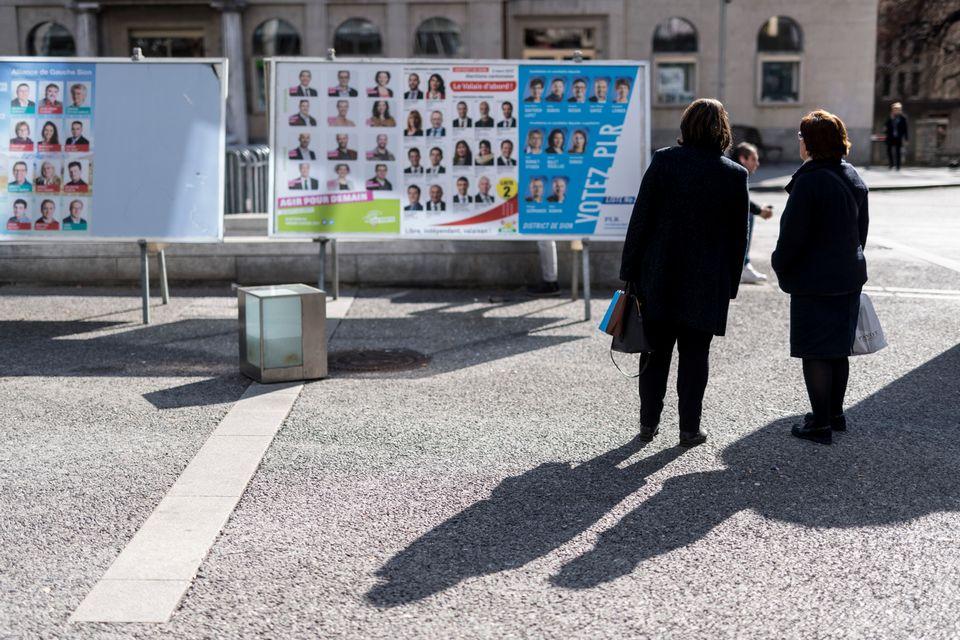 Des affiches lors des élections cantonales valaisannes de 2017. [Alessandro della Valle - Keystone]