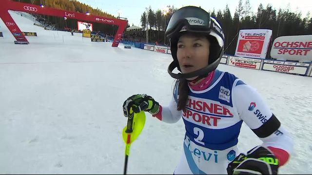 Levi (FIN), Slalom dames, 1re manche: le passage de Wendy Holdener (SUI) [RTS]