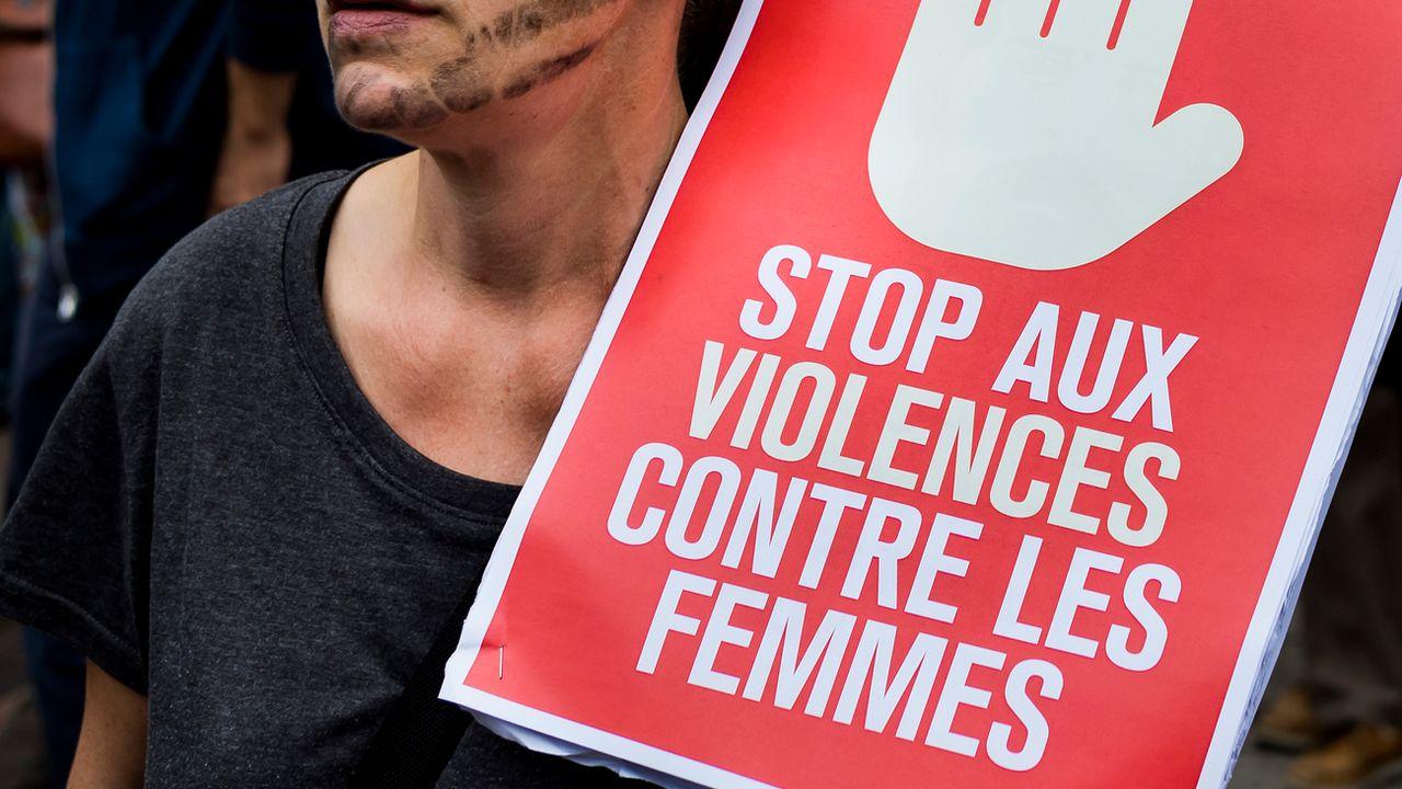 Appel à la mobilisation en France contre les violences faites aux femmes. [Jean-Christophe Bott - KEYSTONE]