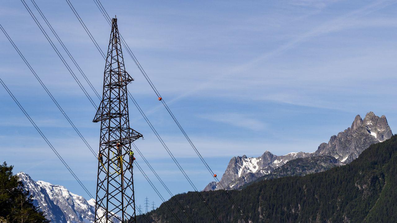 La consommation d'électricité diminue en Suisse. [Valentin Flauraud - Keystone]