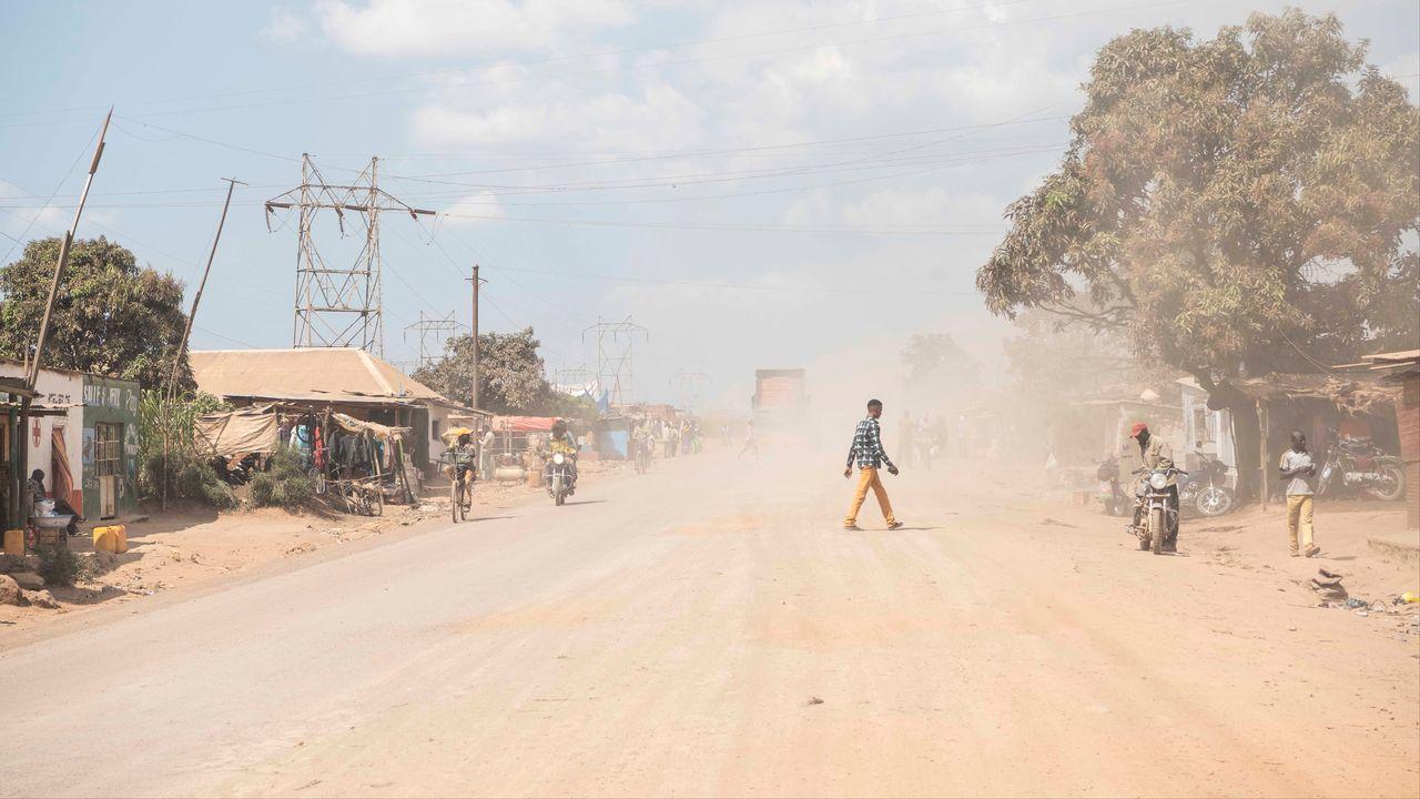 La route menant à la mine de KCC à Luilu, en République démocratique du Congo. [Meinrad Schade - DR]