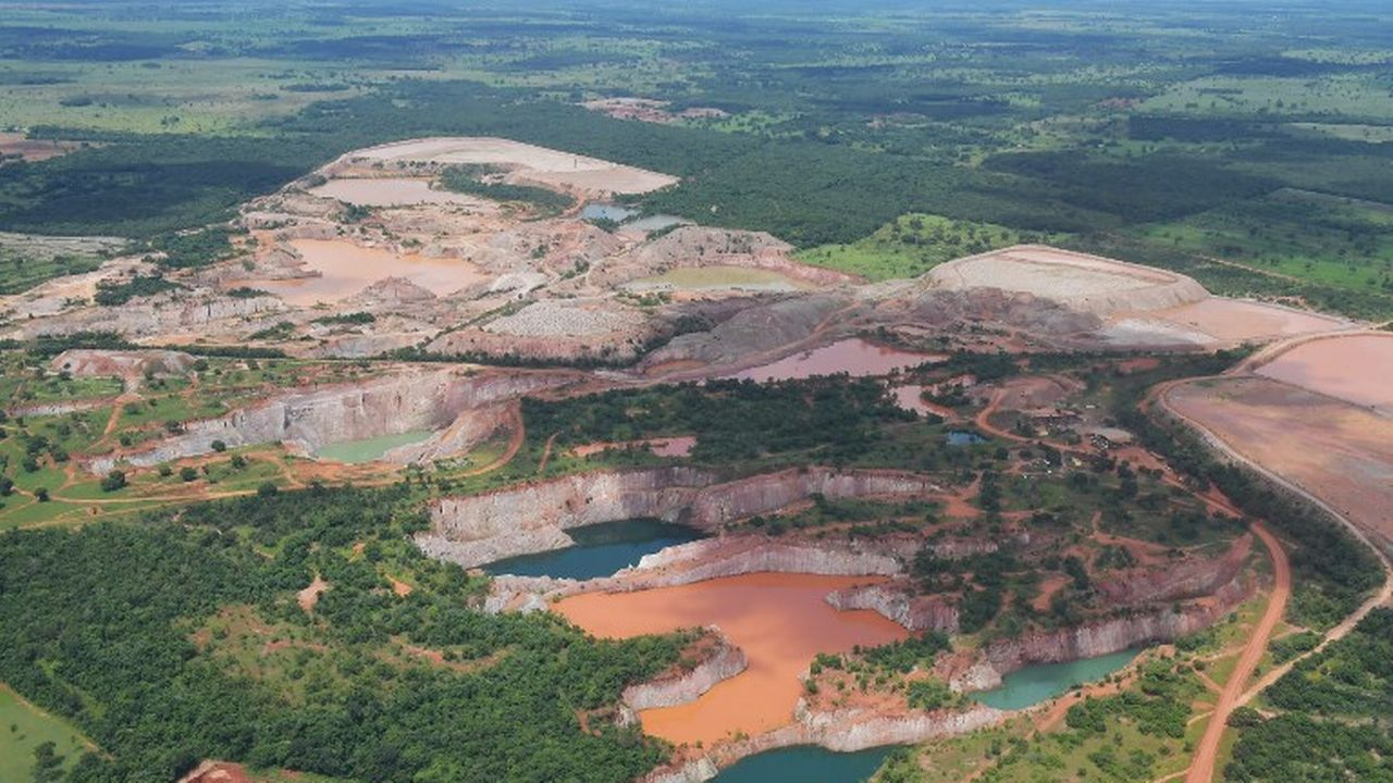 Une image aérienne de l'activité minière dans l'Etat brésilien de Mato Grosso, au Brésil. [Carl de Souza - afp]
