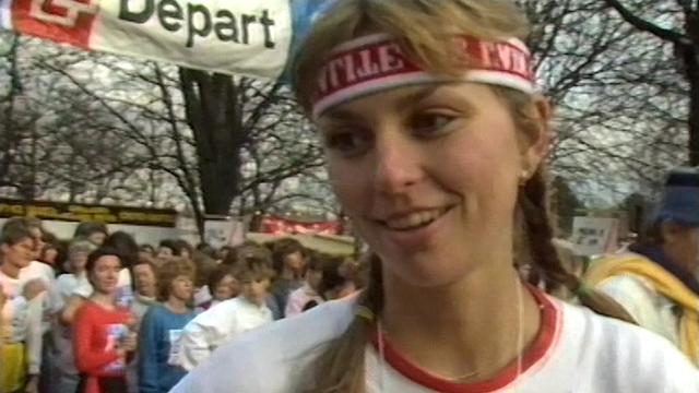 Participante à la course genevoise de l'Escalade, 1986. [RTS]