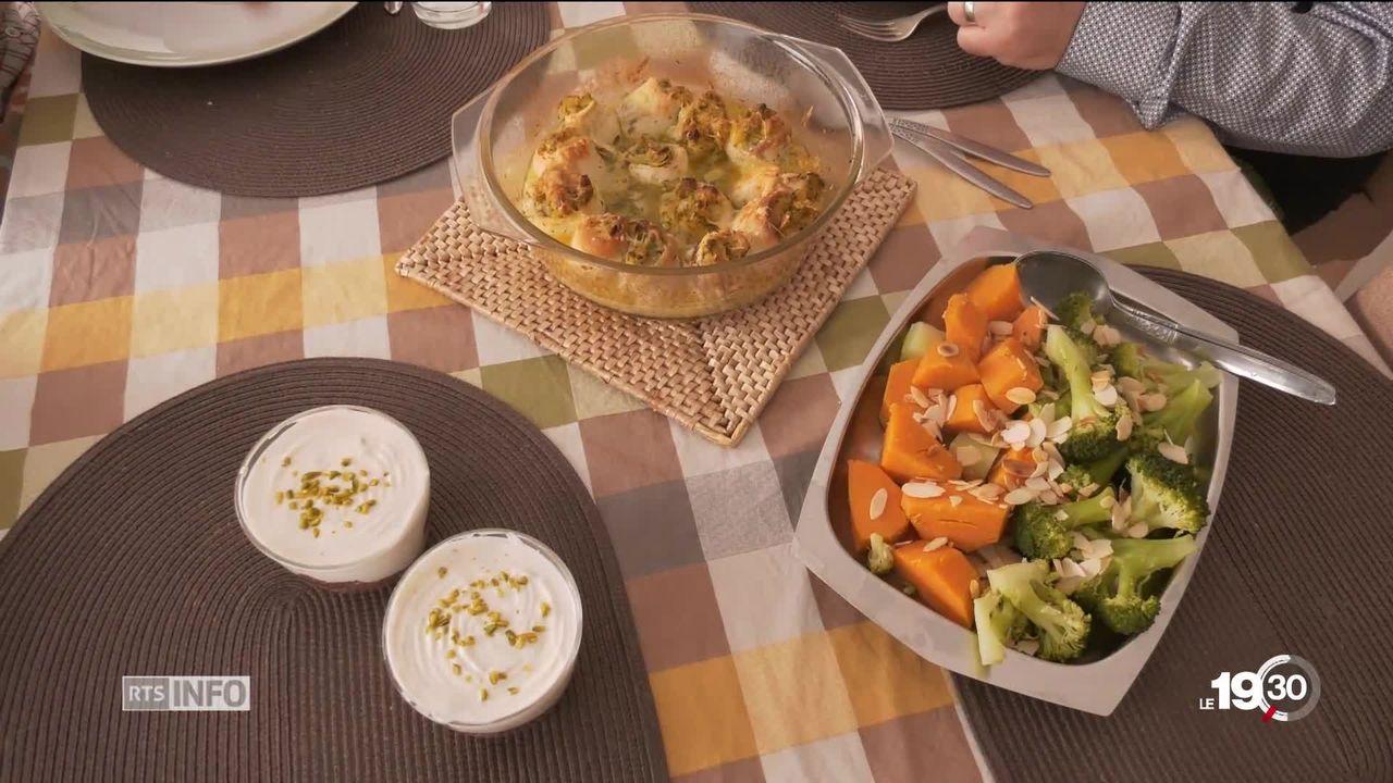 La ville de Neuchâtel organise des cours de cuisine saine pour les personnes âgées [RTS]