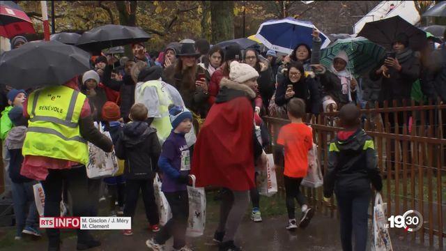 Des milliers d'enfants ont participé à la course de l'Escalade malgré la pluie [RTS]