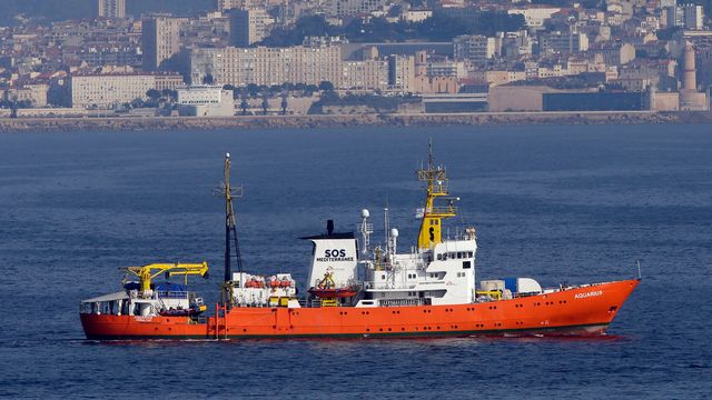 Le navire humanitaire Aquarius cesse ses activités. [Claude Paris - Keystone]