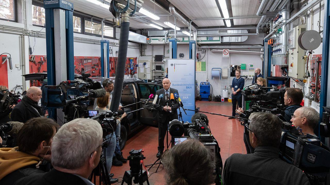 La conférence de presse de l'Office fédéral de la police criminelle en Allemagne, après le coup de filet coordonné entre plusieurs pays d'Europe et d'Amérique latine. [Silas Stein - Keystone/DPA]