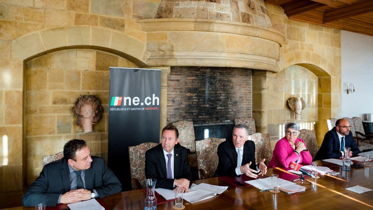 Le Conseil d'Etat de Neuchâtel a présenté in corpore le programme d'impulsion et de transformations. [Jean-Christophe Bott - Keystone]