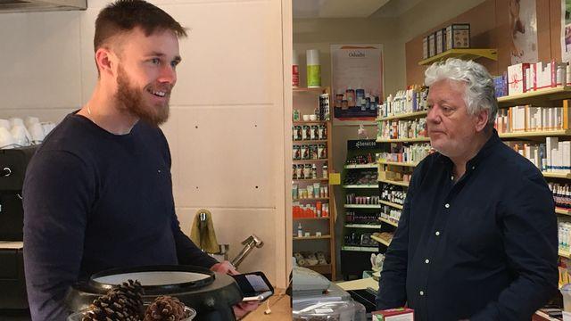 Timothy Condon, patron d'un bistrot végane à Fribourg, et Maxime Knüpfer patron d'un magasin diététique bio à Monthey depuis 36 ans. [Sandra Zimmerli - RTS]