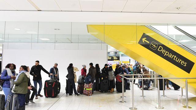 Le trafic aérien a repris à l'aéroport de Gatwick. [Facundo Arrizabalaga - EPA/Keystone]