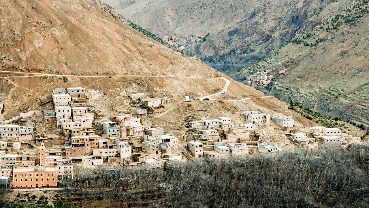 Une vue du village dans les montagnes de l'Atlas près duquel les corps des deux touristes skandinaves ont été découverts. [Terje Bendiksby  - EPA/Keystone]