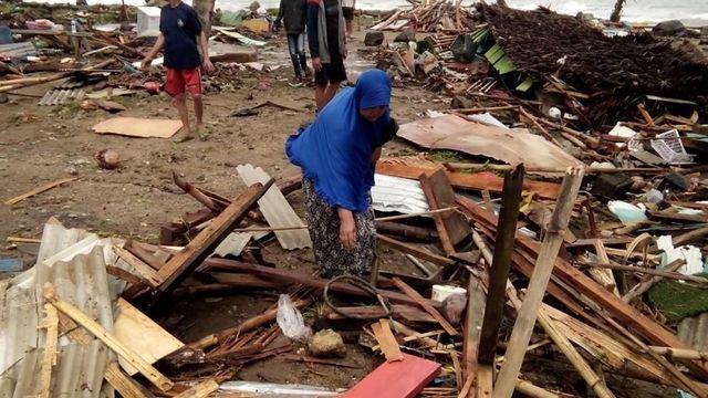 Un tsunami a frappé l'Indonésie samedi soir, faisant 62 morts et des centaines de blessés. [Semi - AFP]