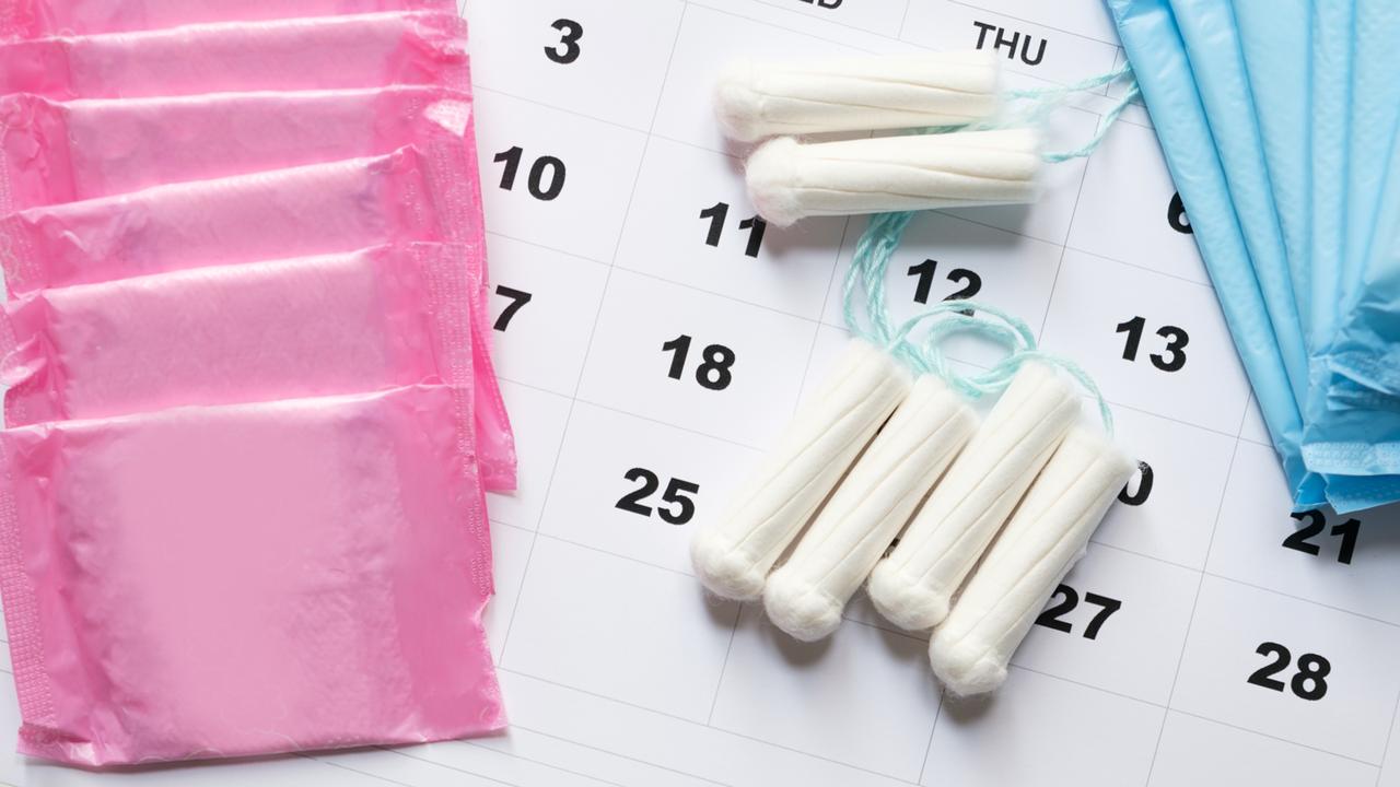Les produits consacrés à l'hygiène féminine sont encore et toujours taxés en Suisse. [Paolese - Fotolia]