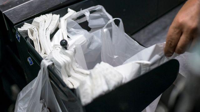 L'étau se resserre autour du plastique dans l'Union européenne. [Fred Dufour - AFP]