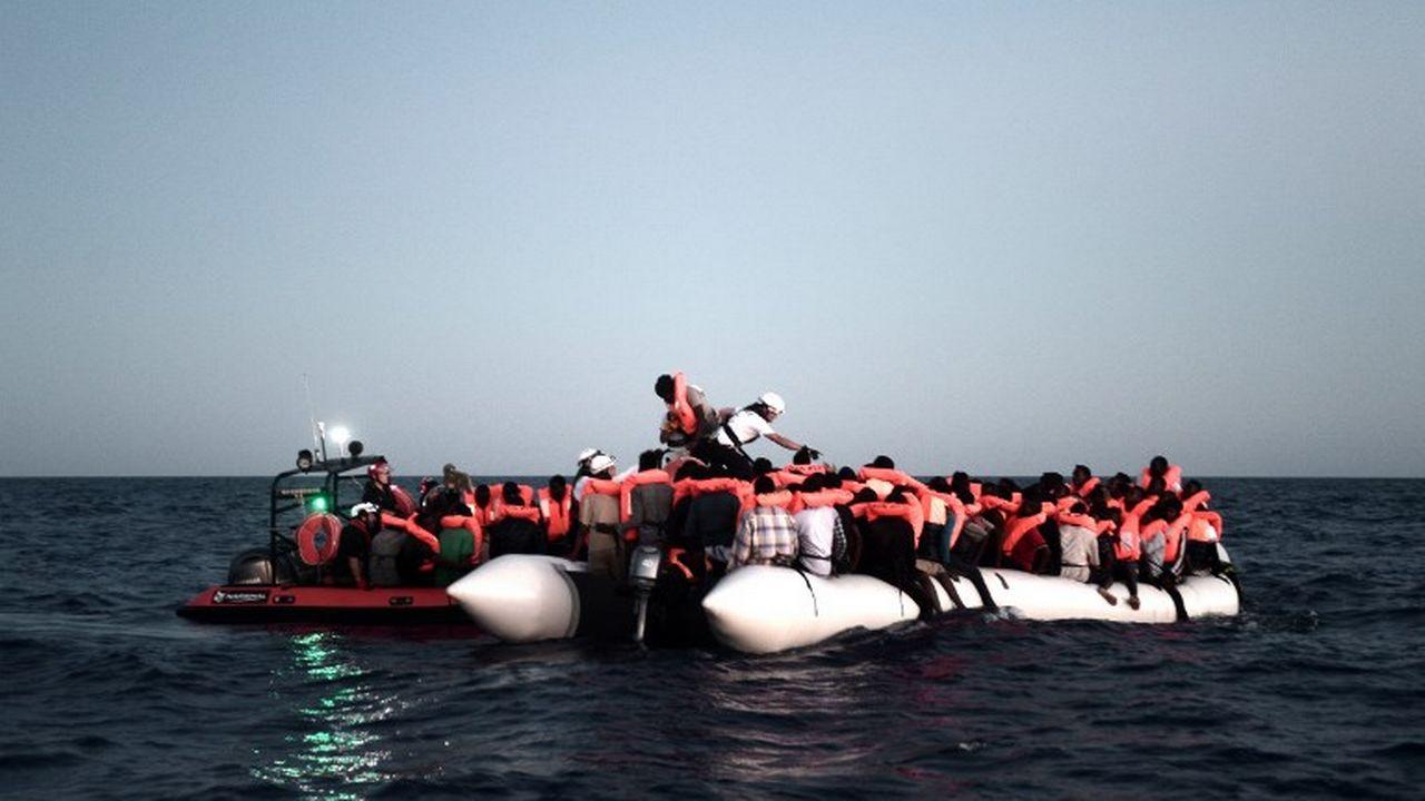Des migrants secourus en Méditerranée le 9 juin 2018. [Karpov/SOS Méditerranée  - AFP]