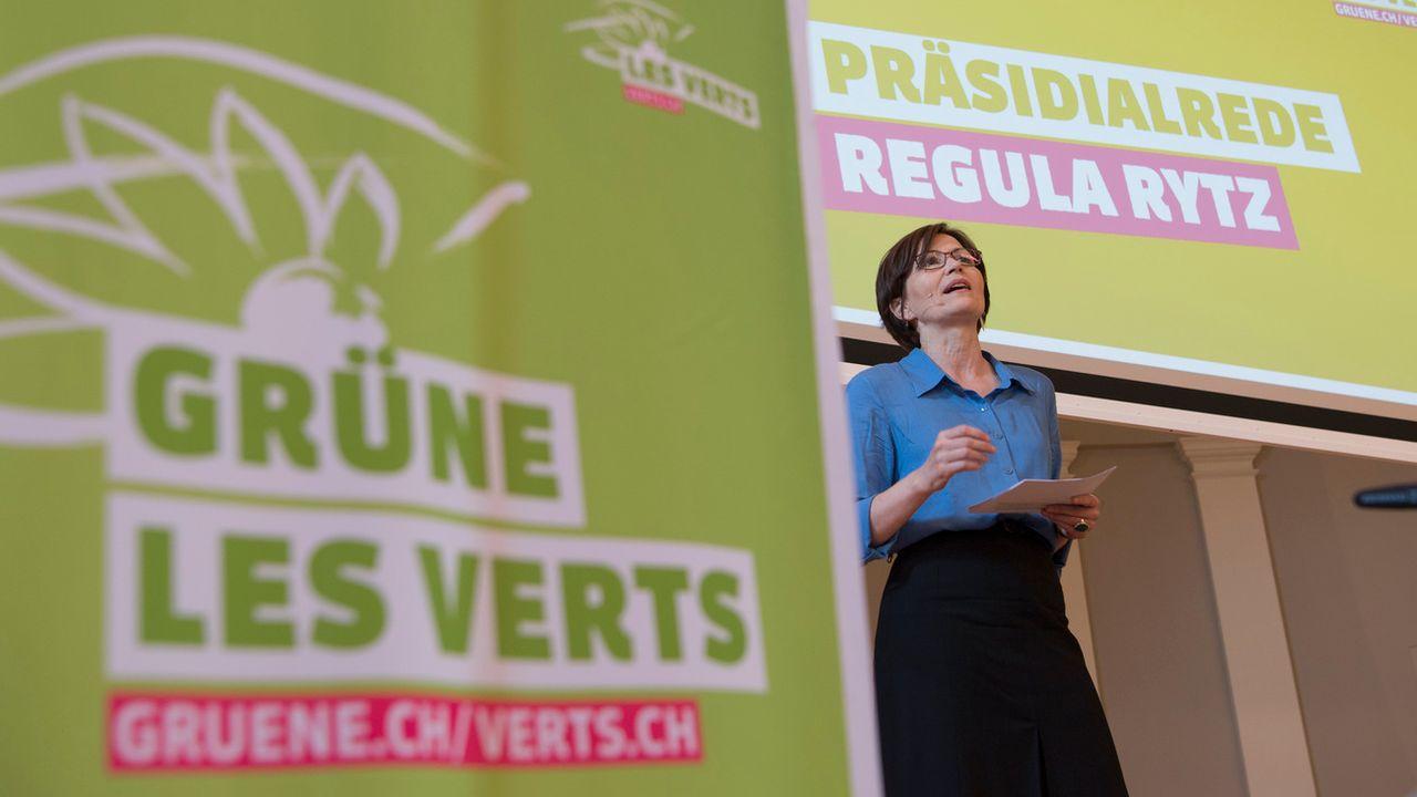 La présidente des Verts Regula Rytz lors de l'assemblée des délégués du parti en mai 2018. [Peter Schneider - Keystone]