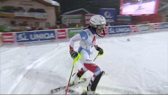 Flachau (AUT), slalom dames, 2e manche: le passage de Wendy Holdener (SUI) [RTS]