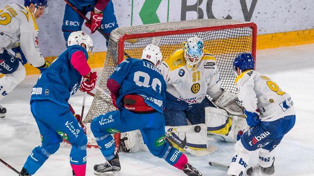 Lausanne (en bleu) a remporté son match sur le tard. [Jean-Guy Python - Freshfocus]