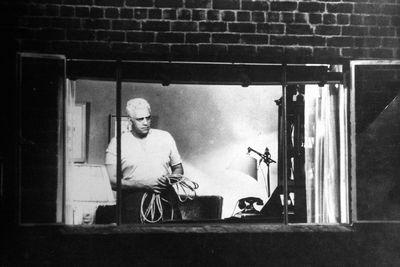 Fenêtre Sur Cour Le Regard De Hitchcock Sur Le Voyeurisme Rtsch