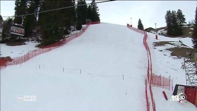 Adelboden se prépare à accueillir la Coupe du Monde de ski alpin dans de meilleures conditions météo que l'an dernier. [RTS]