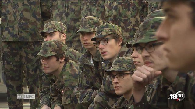 L'Ecole de recrues débute pour 11'200 jeunes. L'armée se veut plus arrangeante pour plaire à une nouvelle génération. [RTS]