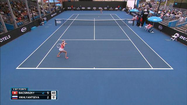 2e tour, T. Bacsinszky (SUI) bat N. Vikhlyantseva (RUS) 6-2: Timea remporte la première manche [RTS]