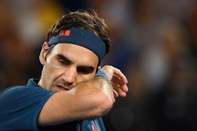 Roger Federer a commis bien trop de fautes pour espérer s'imposer. [Lukas Coch - Keystone]