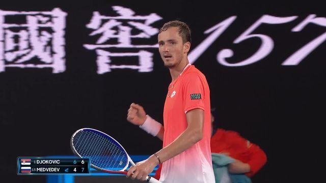 8e, N. Djokovic (SRB) – D. Medvedev (RUS) 6-4 6-7: Medvedev remporte la deuxième manche après une balle de set interminable! [RTS]