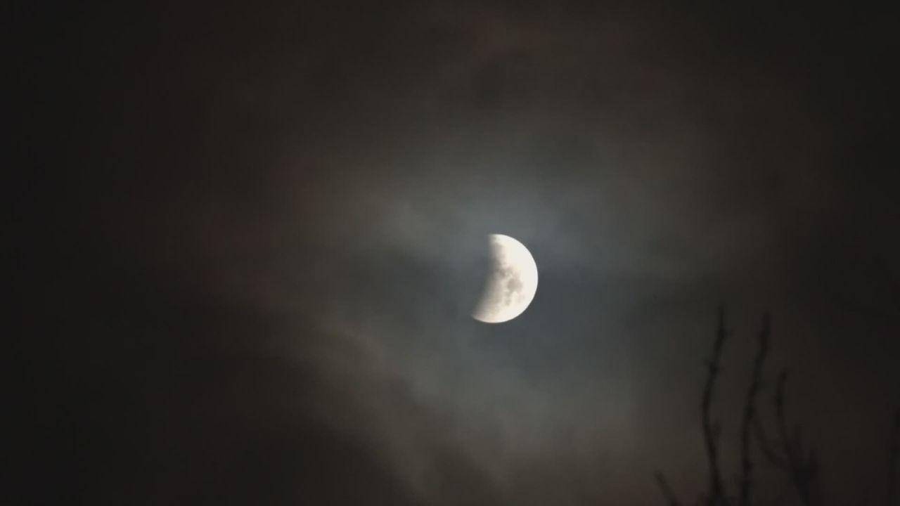 Derniere eclipse de lune avant 2022 en europe [RTS]