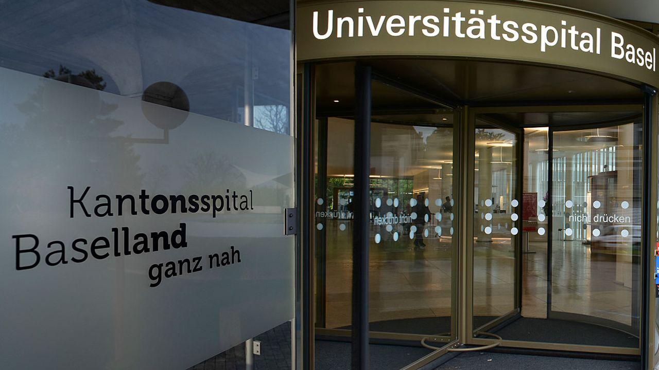 Faut-il fusionner les hôpitaux cantonaux des deux Bâles?  [Georgios Kefalas/Gaël Klein - Keystone/RTS]