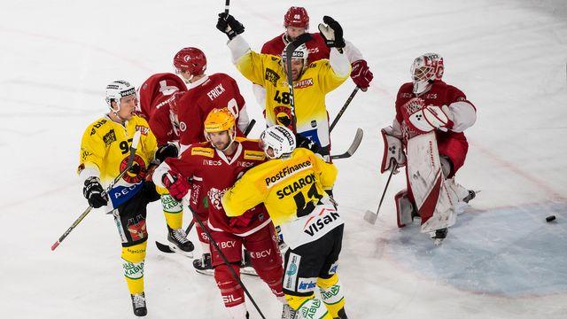 Les Bernois jubilent après le 1-3 signé Gaëtan Haas (à gauche). [Keystone]