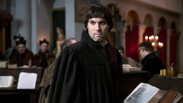 L'acteur helvético-autrichien Max Simonischek incarne Zwingli dans le film de Stefan Haupt. [zwingli-film.com]