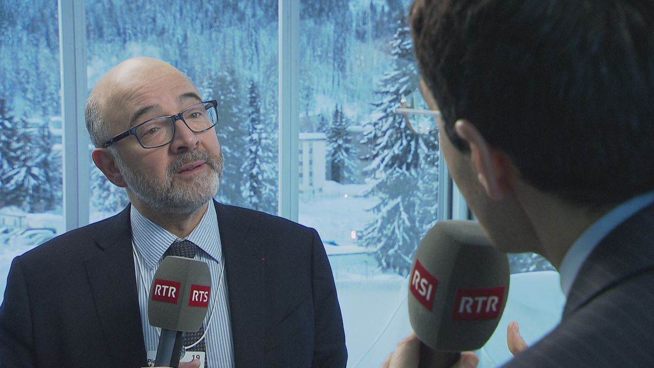 Pierre Moscovici defend laccord institutionnel [RTS]