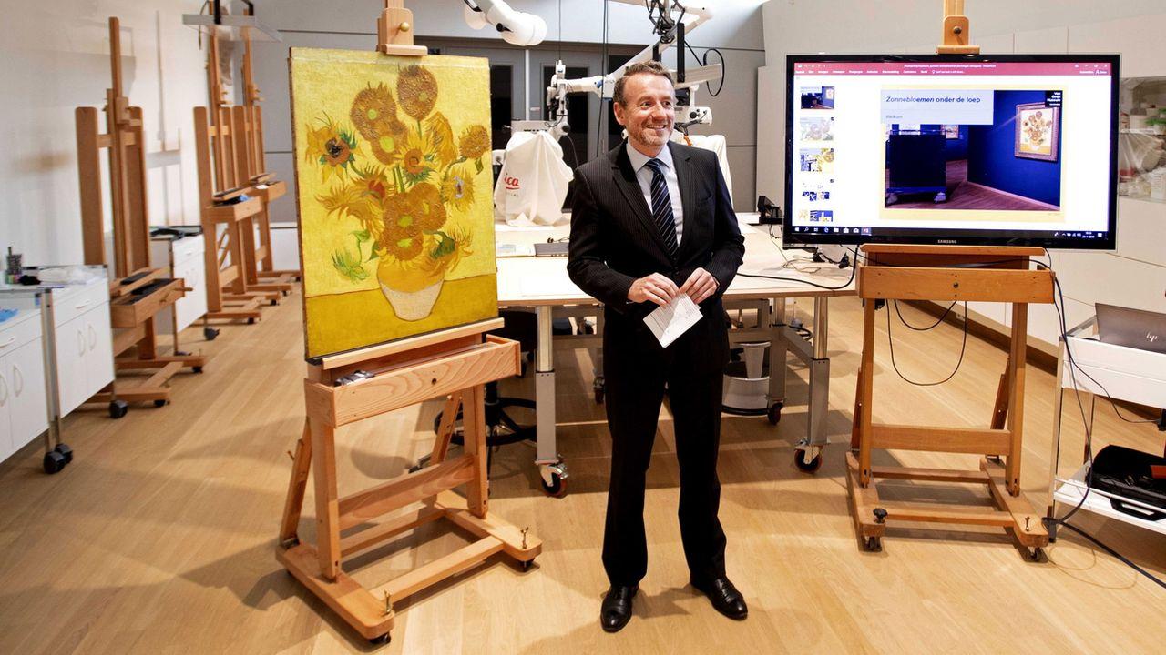 Les Tournesols De Vincent Van Gogh Prives De Voyage A L Etranger Rts Ch Arts Visuels