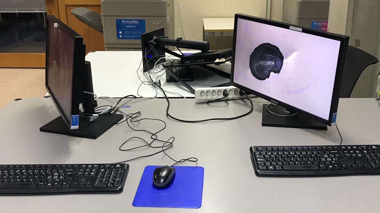 Le service de prêt et les ordinateurs de la bibliothèque de l'Université ont été vandalisés à Lausanne. [BCUL]
