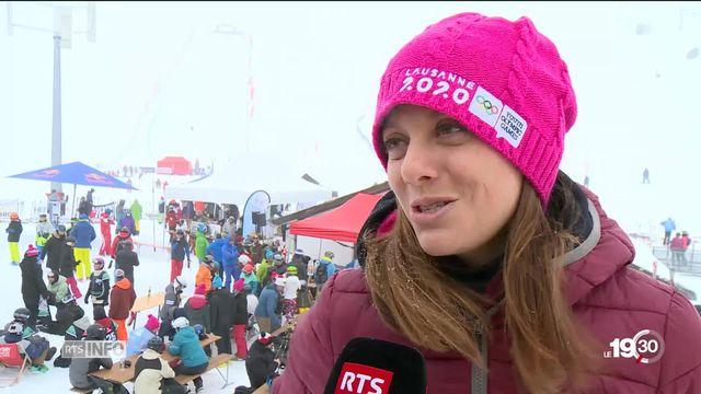Portrait de Virginie Faivre (VD), championne du monde de ski freestyle, nommée à la présidence des Jeux olympique de la jeunesse [RTS]