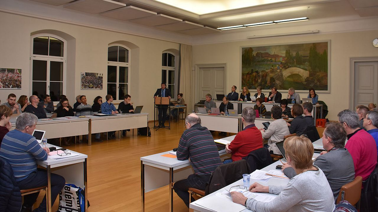 La motion populaire sera bientôt à l'ordre du jour du Conseil de Ville de Delémont. [Gaël Klein - RTS]