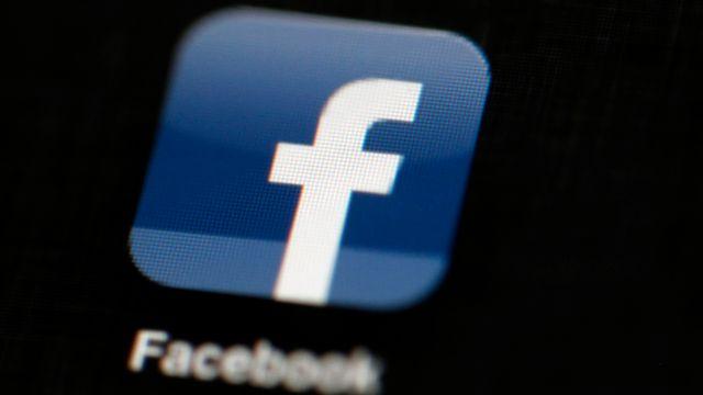 L'Allemagne veut limiter l'exploitation des données personnelles par Facebook. [Matt Rourke - AP Photo - Keystone]