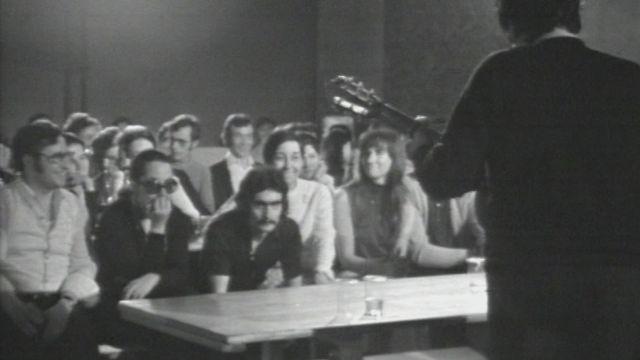Le mât de Cocagne, un groupe de jeunes travailleurs espagnols (2) [RTS]