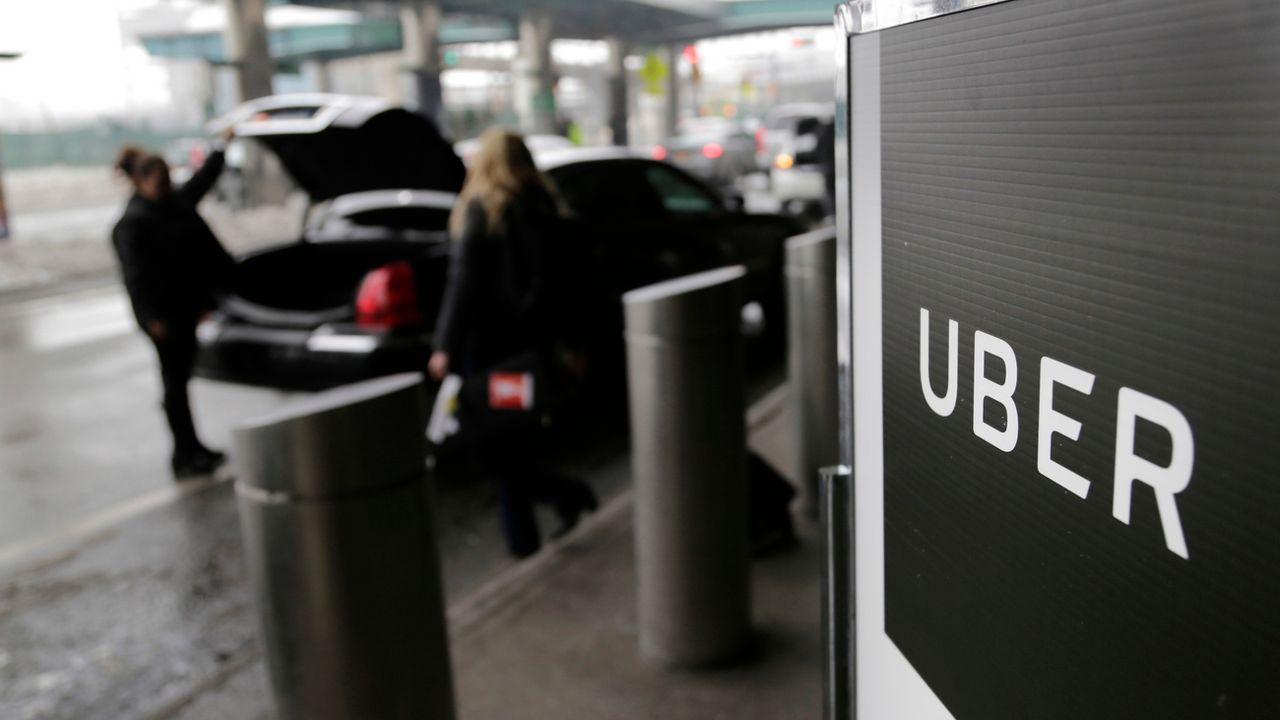 La loi sur les taxis veut garantir une concurrence loyale entre les acteurs du transport en voiture avec chauffeur [AP Photo/Seth Wenig]