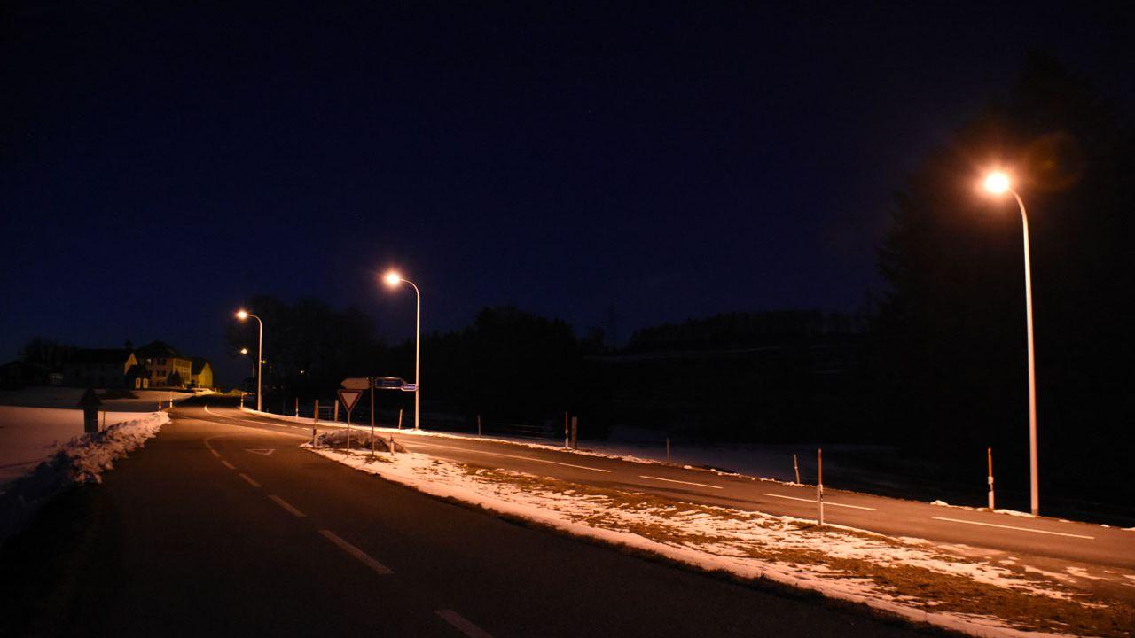 Le Jura veut réduire l'éclairage hors des localités. [Gaël Klein - RTS]