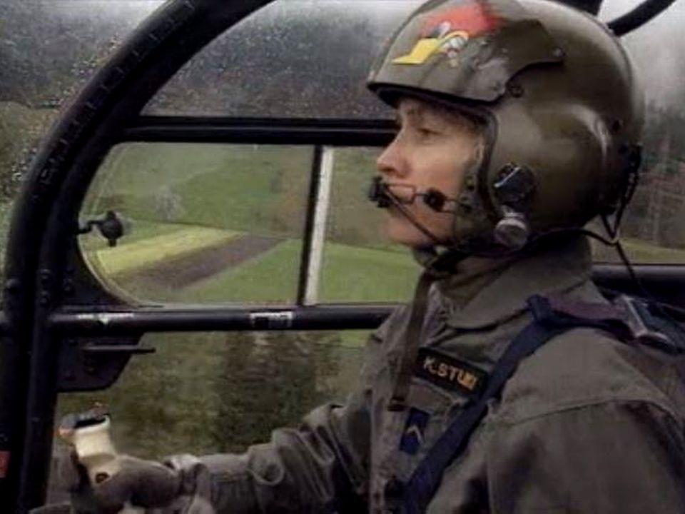 Femme pilote militaire, un droit acquis en 1995....mais uniquement pour l'escadrille légère. [RTS]