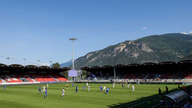 Neuf ans après, l'équipe de Suisse foulera à nouveau la pelouse de Tourbillon. [Jean-Christophe Bott - Keystone]