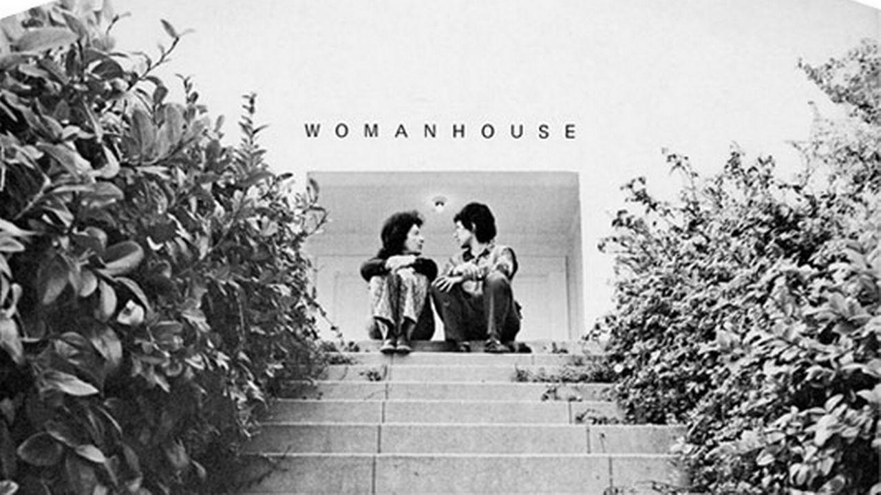 """La couverture du catalogue de l'exposition """"Womanhouse"""".  [Sheila Levrant de Bretteville - CC BY-SA 4.0]"""