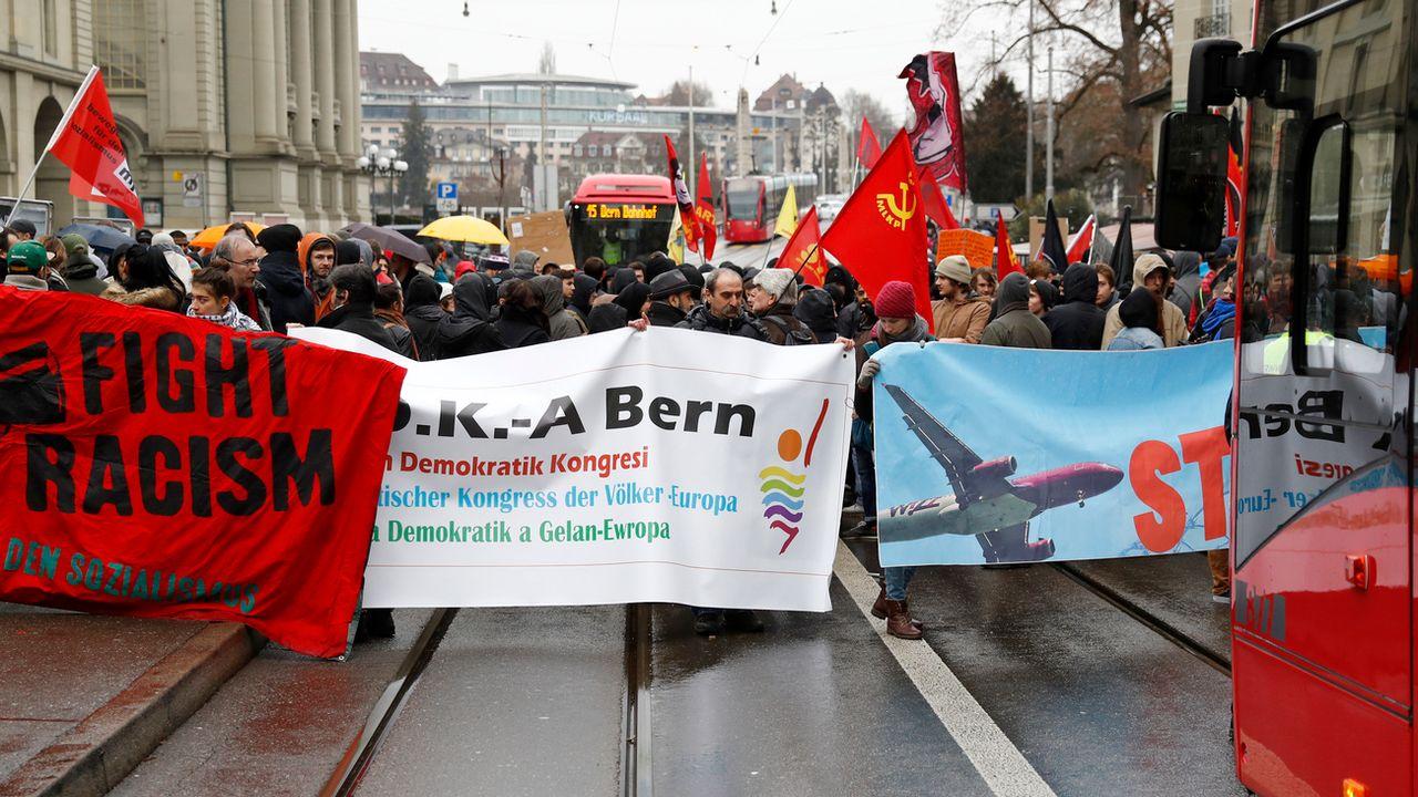 Une manifestation contre le racisme dans les rues de Berne en 2017. [Peter Klaunzer - Keystone]